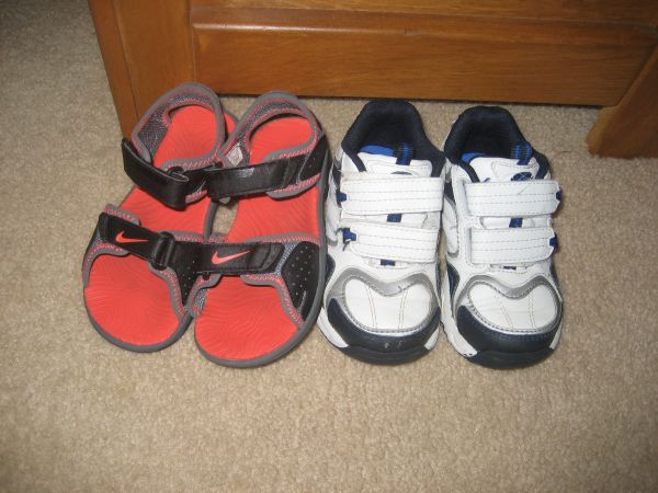 Nike  Stride Rite Shoes - toddler size 8 - $15 (CincoKaty)