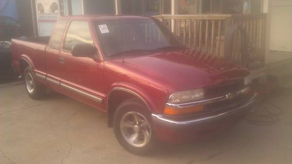 2000 Chevrolet S10 Extended Cab BED LINER - $4100 (HOUSTON)
