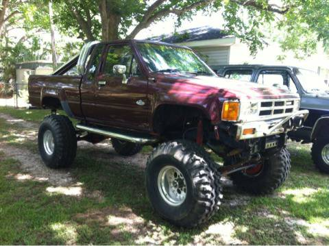 1984 Toyota SR5 4x4 12 lift 38 Gumbos 22R motor 5spd street legal - $4000 (Bay City TX 77414)