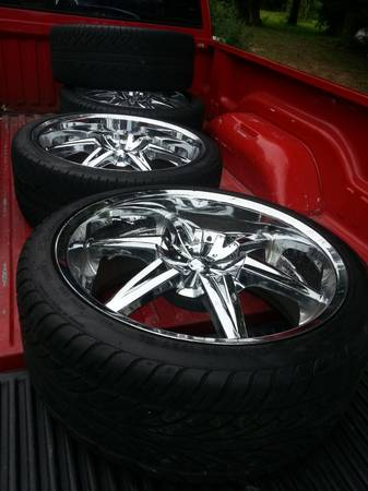 4 22 inch tires and rims. - $500 (Dayton,tx)