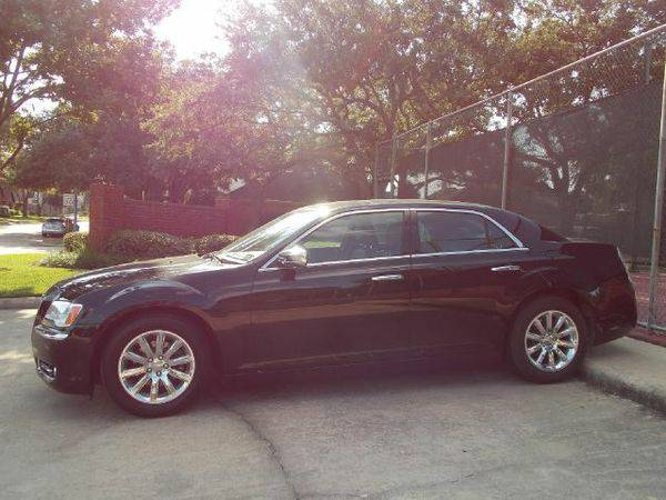 2013 Chrysler 300 C RWD Automatic (Elephant Auto Group - Katy, TX)
