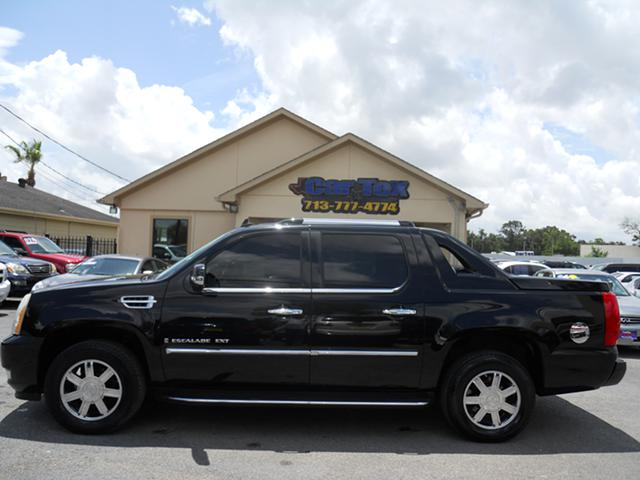 07 CADILLAC EXT  TRUCK --- we finance
