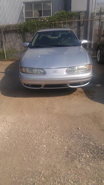2 000  2002 Oldsmobile Alero  2000 Negotiable