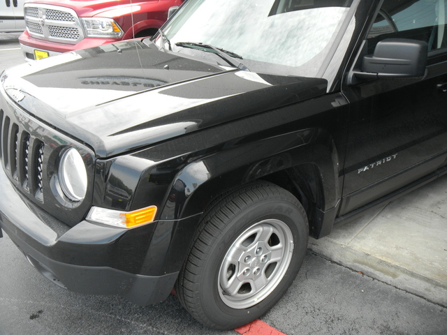 23 925  New 2015 Jeep Patriot Sport 2WD in Houston  TX