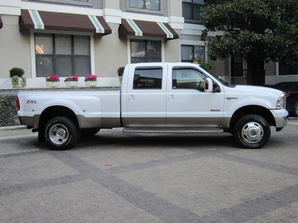 2006 FORD F350 DUALLY DIESEL 4X4 KING RANCH NEW TIRES LOW MILES - $21500 (11027 SW FREEWAY)