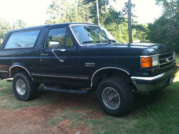 1990 Ford Bronco 5.8 4x4 - $2000 (Nacogdoches)