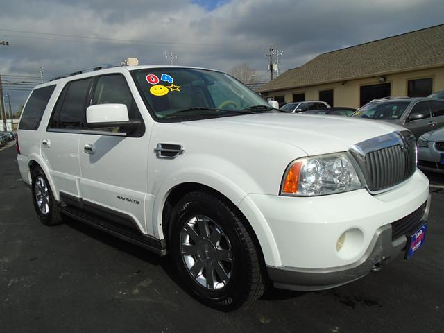 WE FINANCE   ---- 04 lincoln navigator