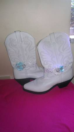$120 White wedding Durango size 9.5 womens western boots - $50 (Willis)