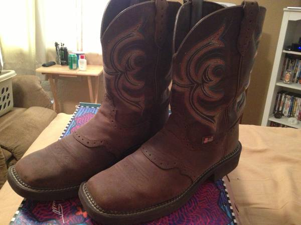 Justin Gypsy Boots (Womens size 11) - $80 (Conroe)