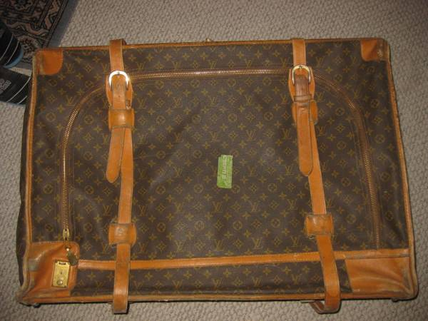 AUTHENTIC VINTAGE LOUIS VUITTON LARGE LUGGAGE MADE IN FRANCE HUGE ONE  - $350 (OAK FOREST)