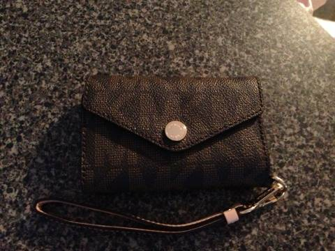 New Michael Kors iPhone Wristlet - $60 (Katy)