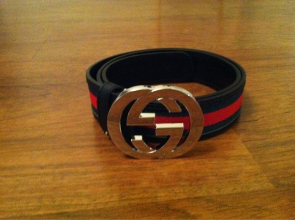 New Gucci belt in red and green with big chrome double g buckle size 30-34 - $1 (Houston)