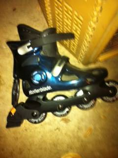 Size 8 rollerblades adult - $10 (NW Houston)