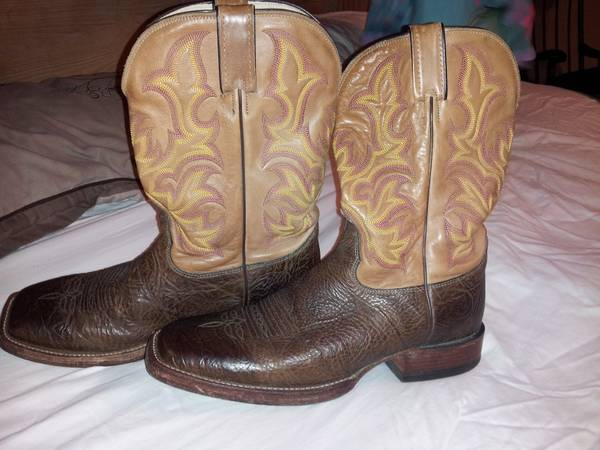 JUSTIN COWBOY BOOTS (size 10) - $130 (nw 290610)