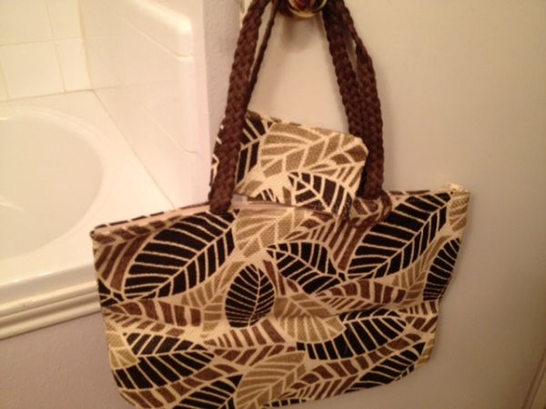 Overnight Bag With Makeup Bag - $10 (Houston Katy Tx at I10 West Fry Rd)