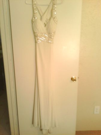 Reducedbeautiful beaded white formal dress - $80 (Pasadena )