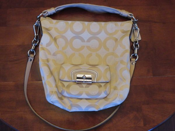 COACH 14911 KRISTIN SIGNATURE TAN HOBO BAG (retail $258) - $170 (North Houston)