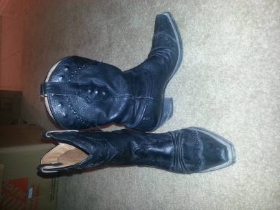 Ladies Ariat Dixie Boots - $100 (Cypress)