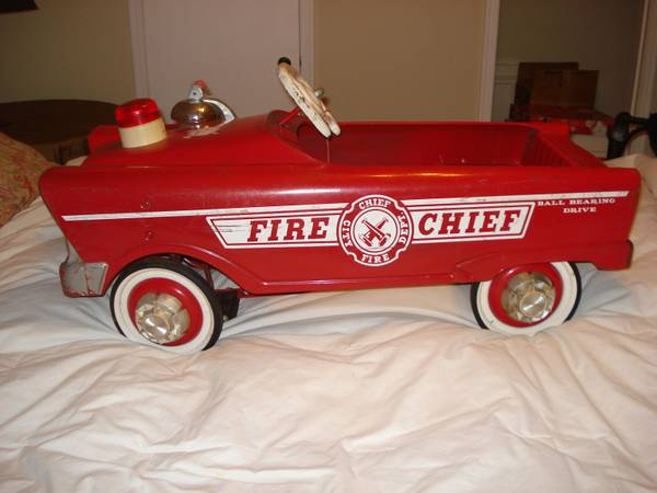 Vintage Fire Chief Pedal Car - $275 (NWChions)