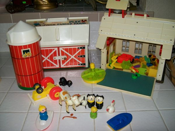 Fisher Price 60s 70s Play Family Village Farm vintage (Friendswood 77546)