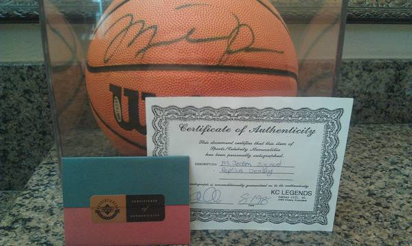 MICHAEL JORDAN Cert AUTOGRAPHED BASKETBALL RARE Cert BULLS JERSEY - $1200 (THE WOODLANDS)