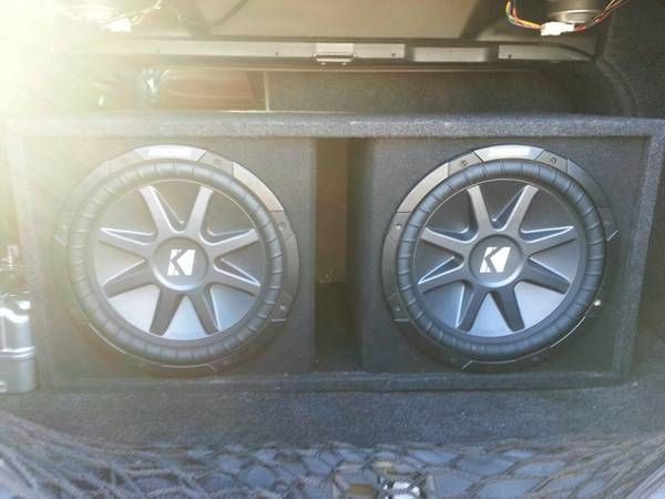 (Car Audio System) 2-12 Kicker CVR Subs In Nice Ported Box... - $175 (Woodlands)
