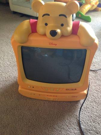 Winnie the Pooh tv and dvd player for sale - $60 (Sw Houston)