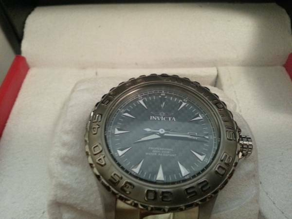 BRAND NEW INVICTA RESERVE MENS WATCH (NEAR DOWNTOWN)