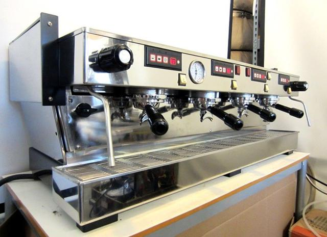 $2,700, La Marzocco Linea 4AV Espresso Machine Upgraded