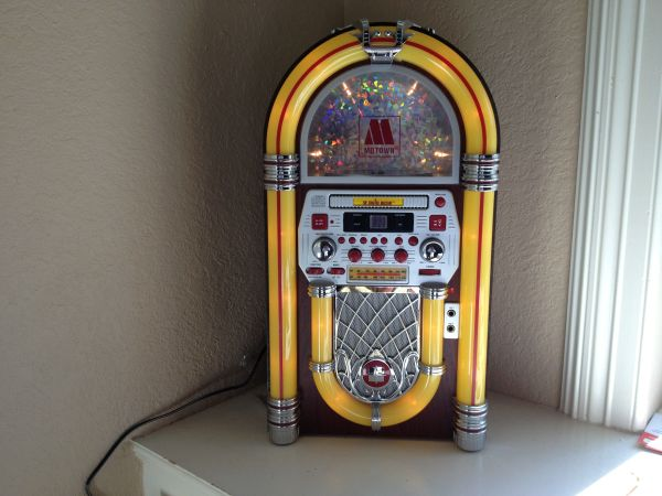 karaoke Jukebox Motown- the singing machine - $80 (Lake Jacksonpearland)