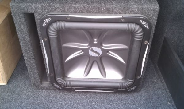 Kicker L7 12 inch in factory box with 2000 watt  .  - $250 (houston)
