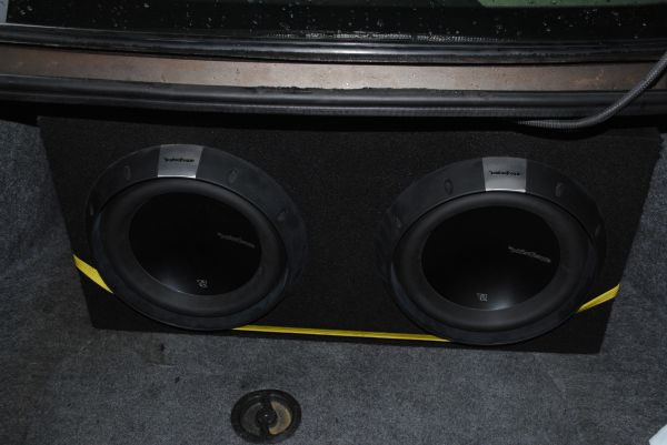 Rockford Fosgate Power system 2500 watt  and 2 (12 T2 subs) $2750 - $2750 (Friendswood)