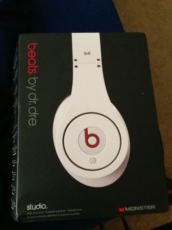 Authentic White Beats By Dre Studios New - $170 (Houston)