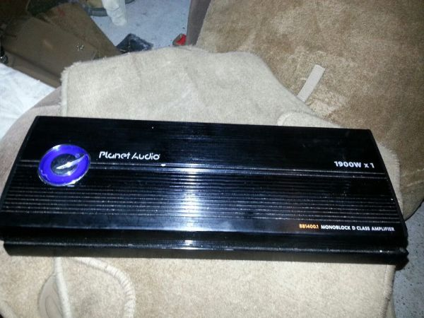 CHEAP BIG BANG PLANET AUDIO 1900.1 RMS CLASS D NEED GONEE - $150 (HOUSTON)