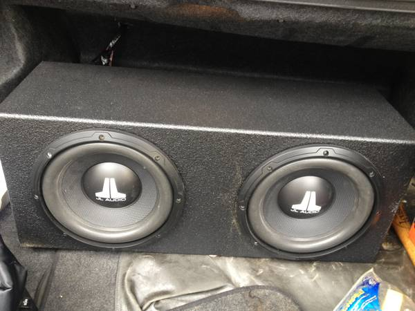 2 10 inch jl audio subs in probox with 1500 watt - $200 (southwest)