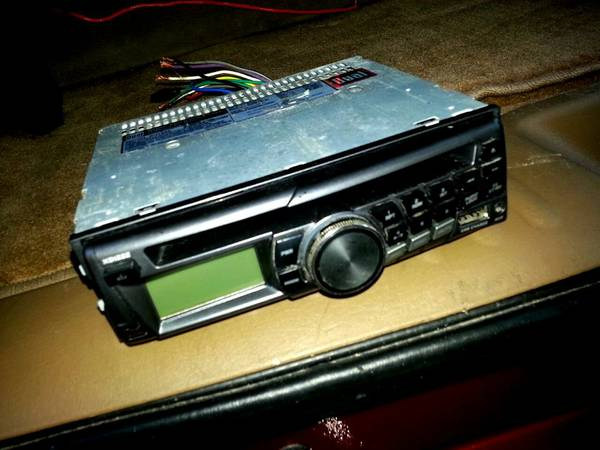 CHEAP DUAL RADIO WITH USB AUX MP3 CD AM FM $25 BUCKS ONLY - $25 (NOT A SCAM STOP SCAMMING MY ADD)