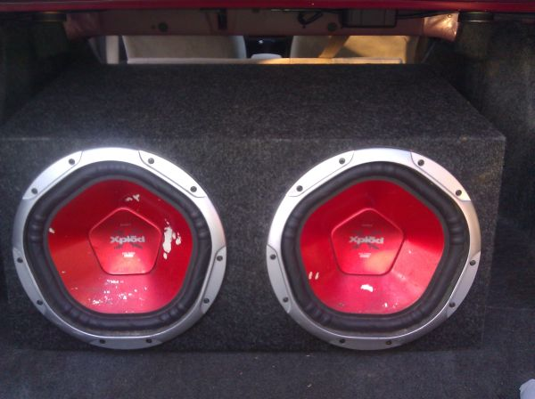 Two 12 inch Sony Xplode 1200 watt subs in box with Boss  1400 watts - $230 (southwest, westchase)