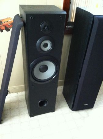 Sony tower speakers ss f5000p - $100 (Bellaire )