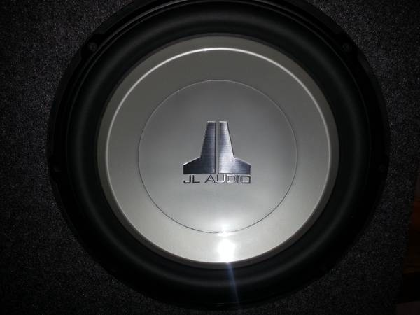 JL AUDIO 15 SUBWOOFER IN BOX - $175 (Used for 2 month only)