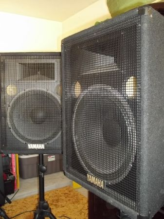Yamaha S15e Speakers 2 - GREAT DEAL - MUST SEE - $350 (Conroe, TX)