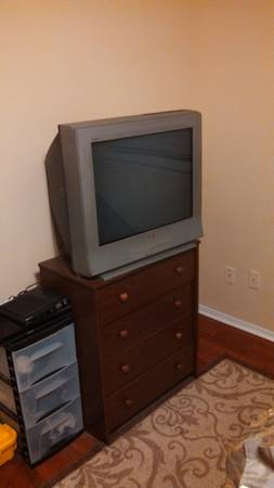Sony TV Just Reduced - $60 (Pearland)