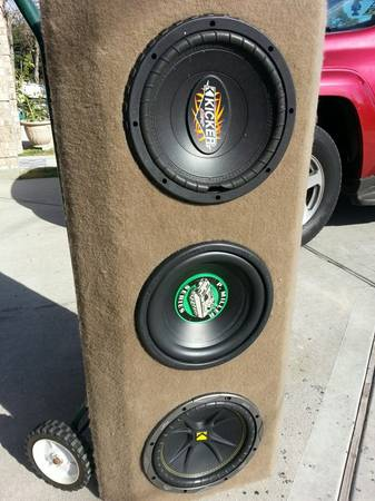 CHEAP (3) 10s KICKERCUSTOM BOX SOUND REAL LOUD MUST SEE - $95 (HOUSTON ALL 3 SUBS AND CUSTOM BOX )