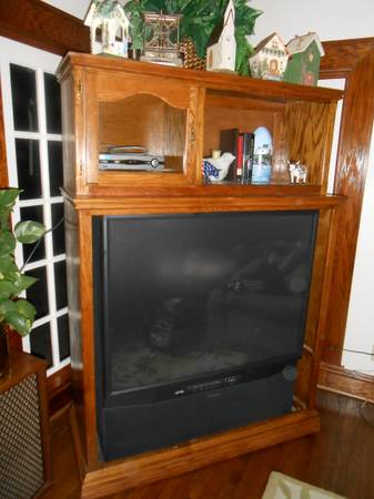 Entertainment center with Mitsubishi 50 TV - $225 (SW Houston)