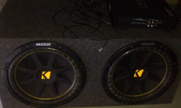 2 12 KICKERS WITH AMP PRACTICALLY NEW - $650 (KATY)