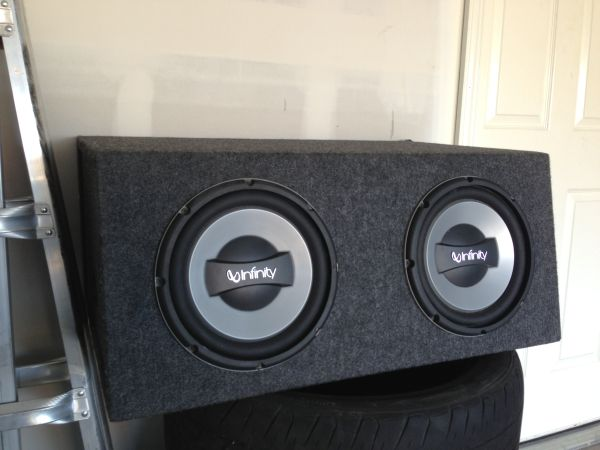 2 10 infinity subwoofer in box - $250 (cypress-katy)