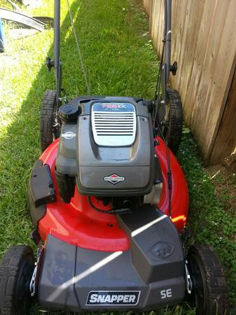 Snapper 725 Series 22 Front-Wheel Drive Lawn Mower - $185 (spring tx)