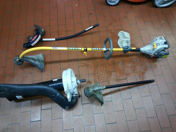 Ryobi weed eater 26cc WHIT ATTACHMENT BLOWER, EDGER, TRIMMER - $150 (spring tx)