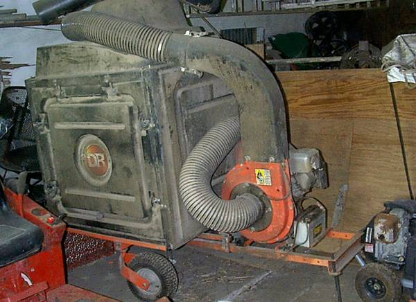DR Leaf and Lawn Vacuum Tow-Behind (Electric-Start) 6.0 HP - $1050 (Manvel Texas)