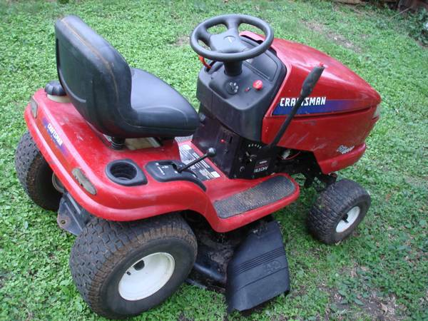 Craftsman DYT 4000 Riding Lawnmower 18.5 Intek Plus - $600 (SW FreewayBissonnet)