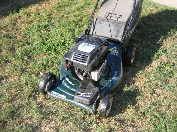 Craftsman 22 inch Self Propelled Lawn Mower - $125 (Woodlands)